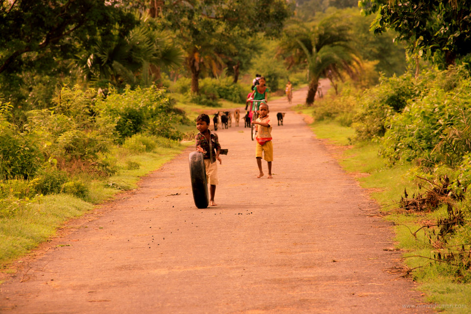 kids playing in purulia west bengal